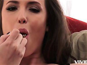 wondrous Casey Calvert taking her lessons in her hatch