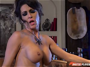 Halloween exclusive with fantastic Jessica Jaymes gobbling her prize