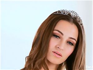 princess Dani Daniels gets jism on her ass
