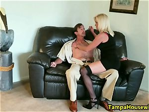 The Incall experience with a pro call girl