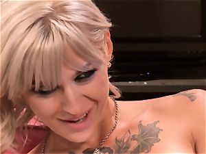 Blazing lezzies Samantha Saint and Kleio Valentien