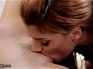 Piper Perri squeaks on her Mommies girl/girl lovemaking