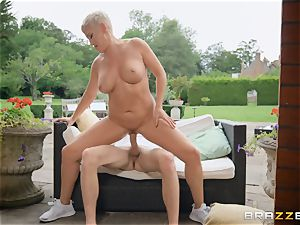 Ryan Keely luvs to ride on top