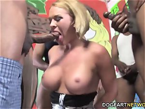 Krissy Lynn Can't Wait To Has 8 BBCs Stuff Her Face