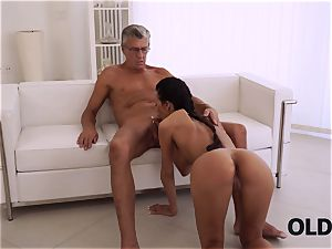 OLD4K. flawless secretary entices aged boy to get another promotion