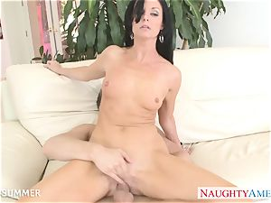 dark-haired India Summer gets cunny plumbed