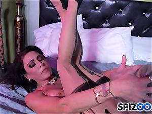 Jessica Jaymes playmate comes home and missed all the fun she had with Britney Amber
