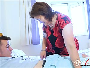 AgedLovE buxom Mature playing rock hard with handy fellow