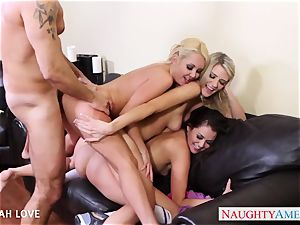 wondrous Aaliyah enjoy pounding in four way