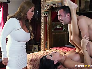 Kianna Dior catches her step daughter-in-law pounding a british boy and steps in