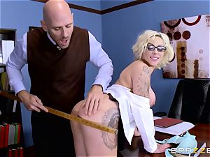 Dean Johnny Sins holds a lovemaking education lesson with a obscene student