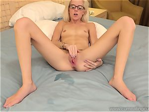 Halle Von and Her Cuck hubby Take Turns fellating boner