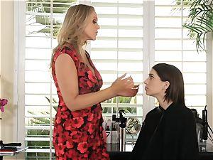 Julia Ann entices sexy teen Joseline Kelly