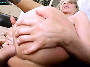 Julia Ann getting her wide open fuckhole spread