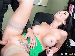 fat boobed manager Jayden Jaymes pummels her fresh worker